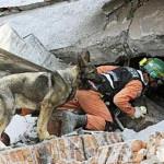 Ahn Jae-wook donates to Sichuan earthquake victims