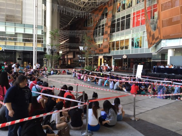 TAEYANG World Tour RISE in Malaysia Pre-Sales crowd 2