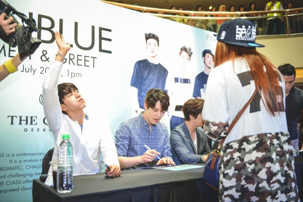 CNBLUE_The_Class_Malaysia_Meet_Greet_Mid_Valley (26)