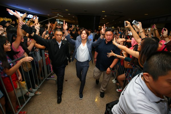 CNBLUE_The_Class_Malaysia_Meet_Greet_Mid_Valley (39)