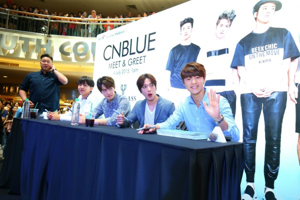 CNBLUE_The_Class_Malaysia_Meet_Greet_Mid_Valley (46)