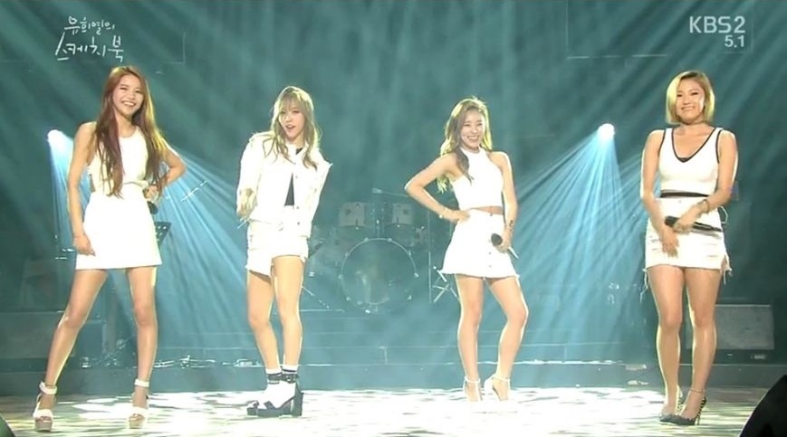MAMAMOO performed 15 KPOP hit-songs medley in just 38 seconds