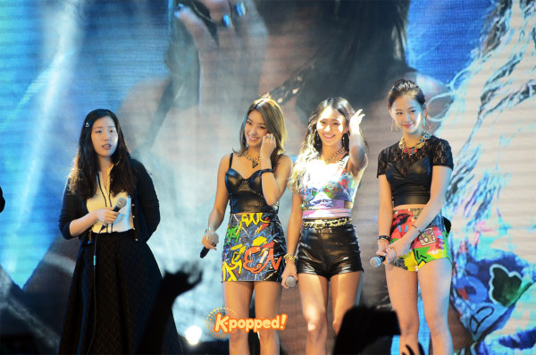 SISTAR fan meeting in Singapore (6)